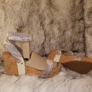 Lucky Brand wedge heel wedges cute comfy sandals